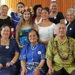 Afioga ia Patele Epati mase vaega o i latou sa aotauina ile aoga a St Marys i Samoa ma latou alo ma fanau ile Misasa e faamanatu ai le 60 tausaga i Kuiniselani