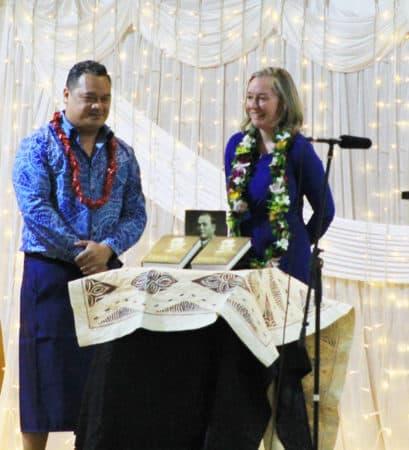 Tuala Tagaloa Tusani, Dr Patricia O'Brien ile tatalaina o ole Tusi ole Tautai