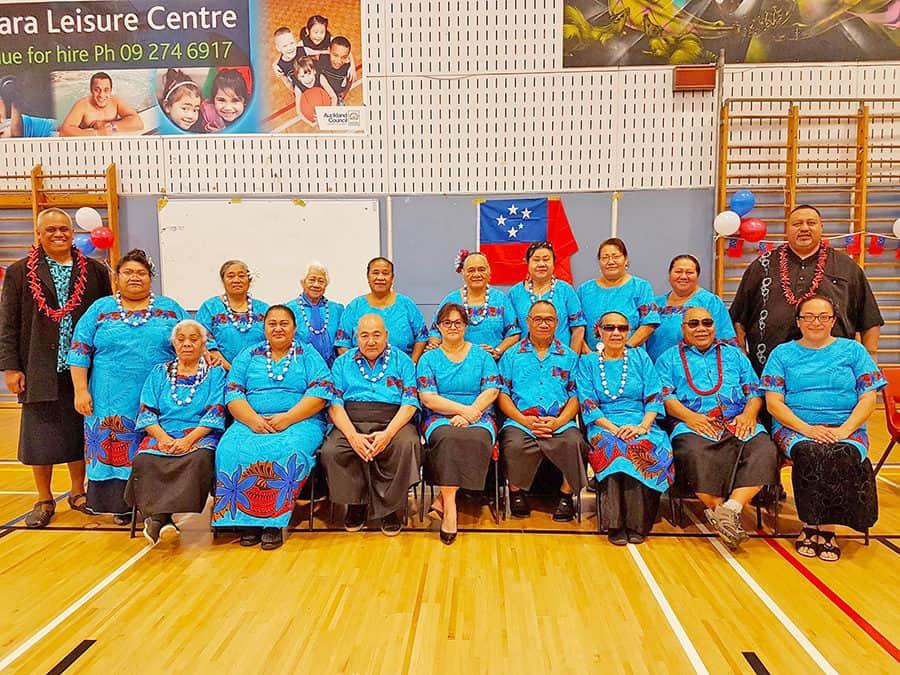 Faatāua e le Walking Samoans a Otara  le vaiaso o le gagana Samoa