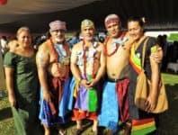 Samoa Times Newspaper | O alo e faasino i le faafeagaiga o Isaako ma le faletua o Malelega Tuia ua tuumalo ae sa galulue i le EFKS i Sapapalii ua faaee iai suafa Galumalemana, Tupuola, ma Tagaloa o Vaitele i le aiga o Matai'a Lynn i suli o Uilaefa. Le afioga Galumalemana Ioane Tuia, Tupuola Toetu Tuia, ma Tagaloa Tavita Tuia faatasi ai ma nisi o le aiga