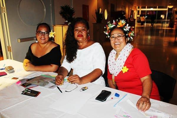Nisi o faletua sa iai i le laulau o le mafutaga i le po o le dinner a le Palisi mai Samoa Malololelei