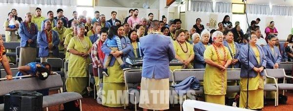 Aufaipese ekalesia Katoliko Manurewa i le faamanatuina o le latou 50 tausaga ma le sulufaga