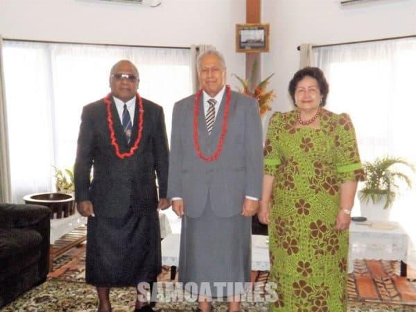 O le Amepasa muamua o Fiti mo Samoa, Ratu Tuinausori Cavuilati, ma lana Afioga i le Ao o le Malo ma lana Masiofo
