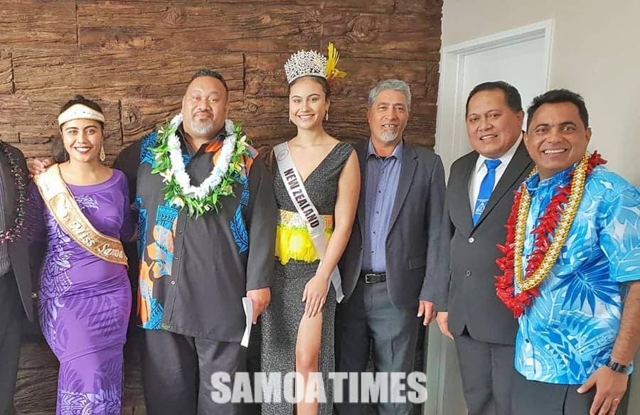 Tatala Aloaia le Lotoā fou a le Henderson Cars i Manukau